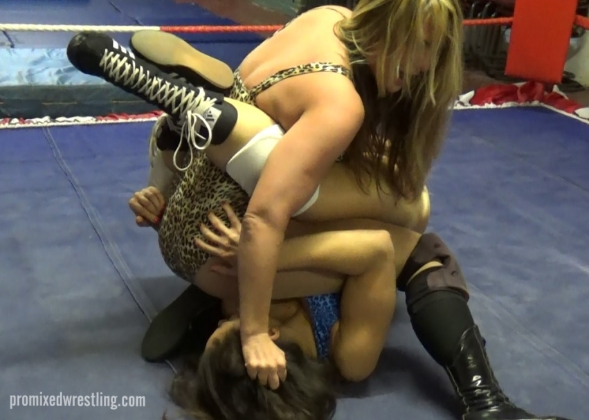A tangle of bodies as Laken meets Lisa